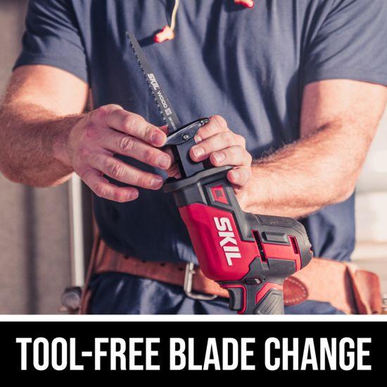 Tool-free blade change