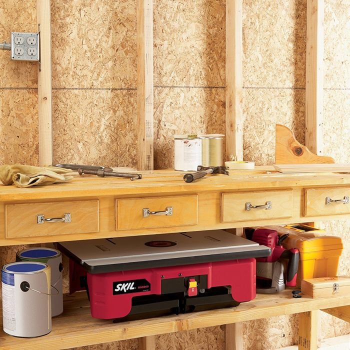 Router Table (2 feather boards)
