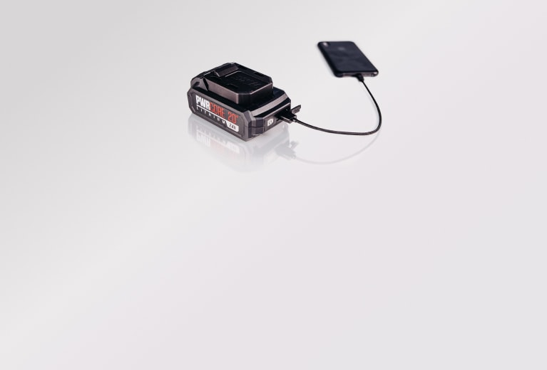 PWR CORE 20™ battery charging a cell phone